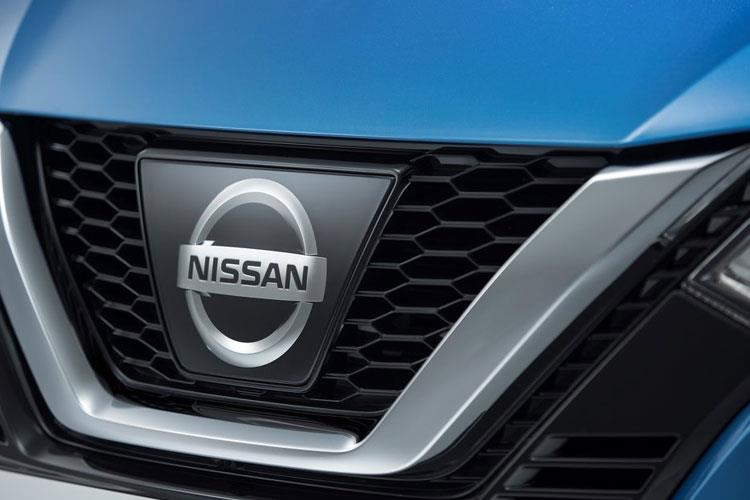 Nissan Qashqai SUV 2wd 1.7 dCi 150PS N-Connecta 5Dr Manual [Start Stop] [Pan Roof] detail view